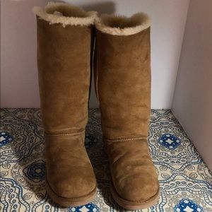 UGG Bailey Bow Tall II Good Condition Boots